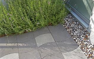 Trädgård Grus : Anlägga grusgång och marksten låt dig inspireras av våra bilder